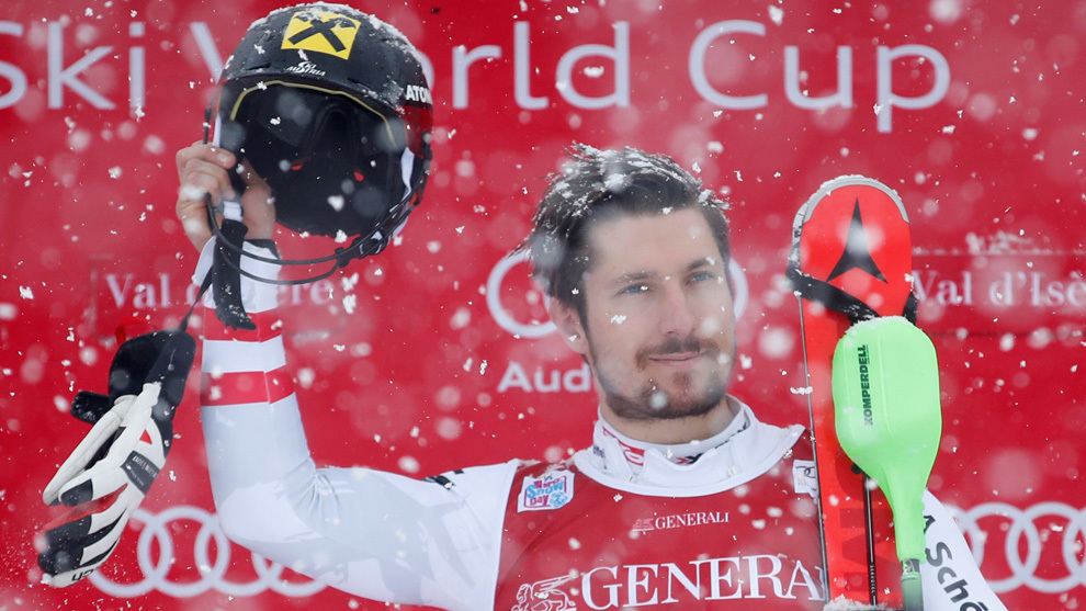 Hirscher defies difficult conditions to win slalom