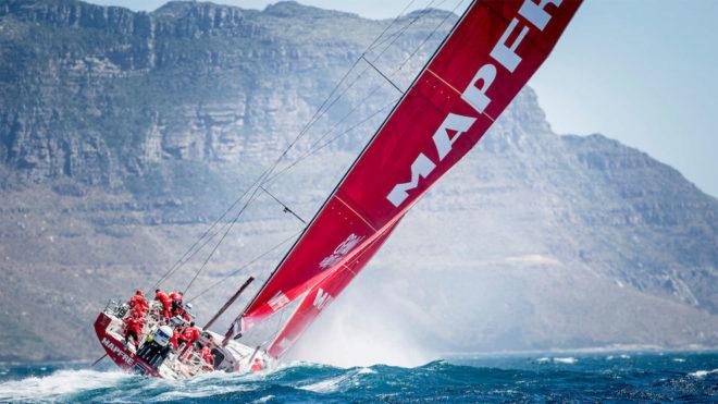 Salida de la tercera etapa de la Volvo Ocean Race en Ciudad del Cabo