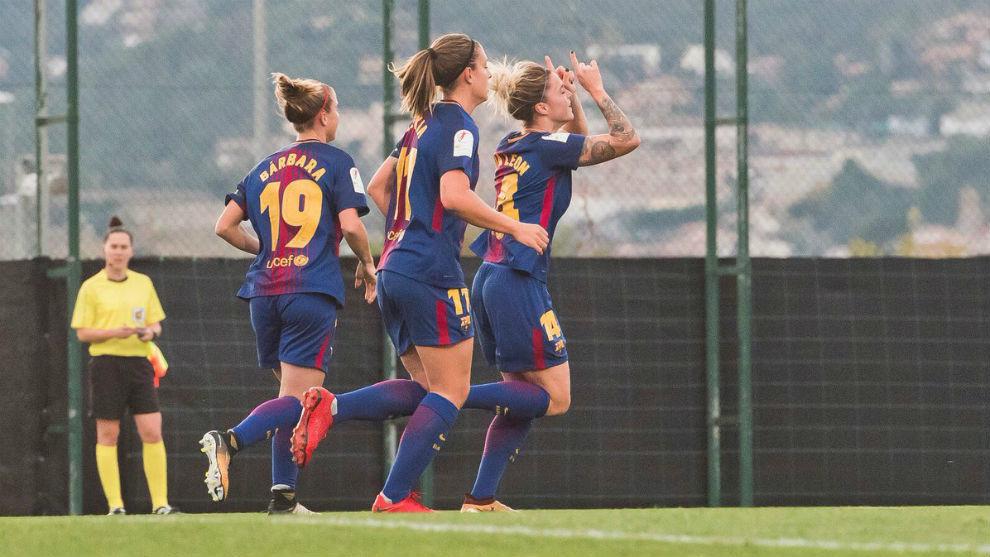 Mapi León celebra el primer gol del Barcelona.