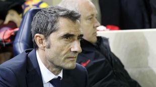 Valverde, en el banquillo de La Cerámica.