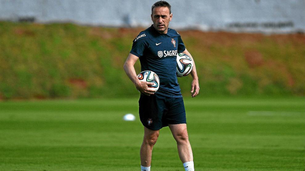 Paulo Bento durante un entrenamiento con Portugal