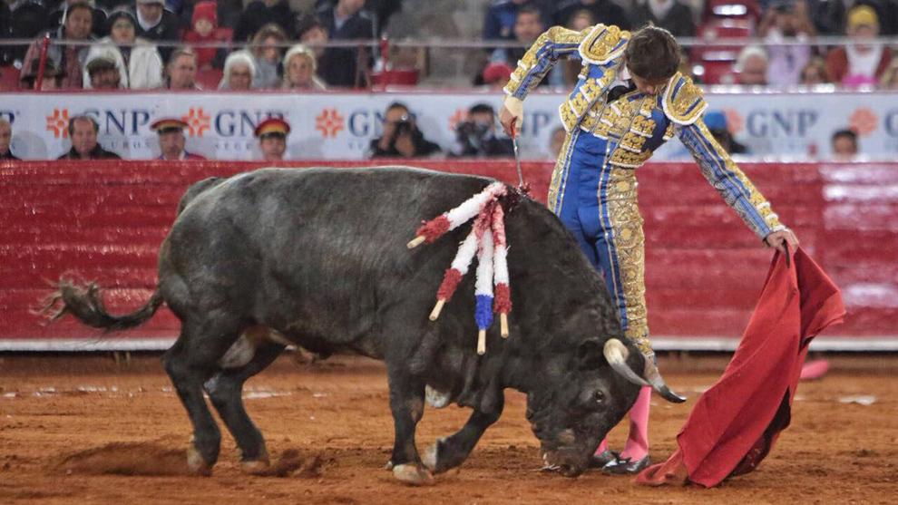 Sebastián Castella, con el toro 'inolvidable'