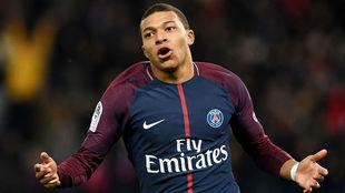 Mbappe celebra un gol con el PSG