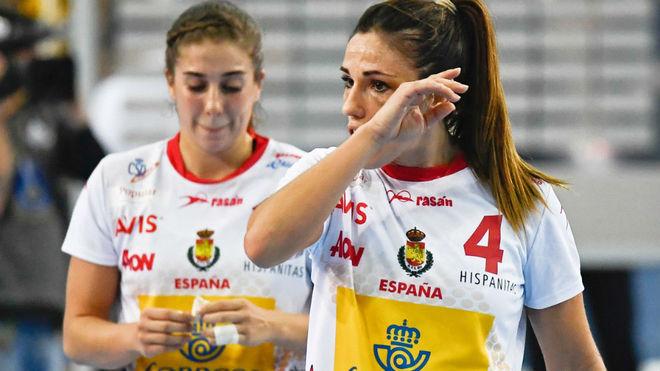 Carmen Martín y Jéniffer Gutiérrez, al final del partido