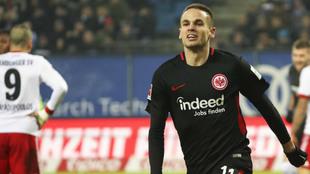 Gacinovic celebra el 1-2 del Eintracht ante el Hamburgo.