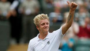 Alejandro Davidovich celebra su triunfo en la final del Wimbledon...