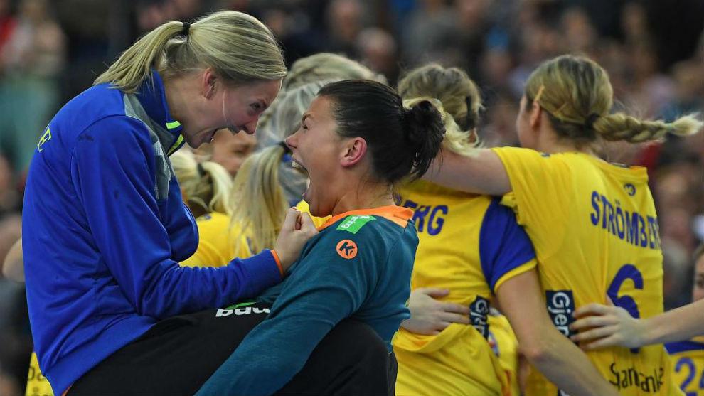 Las jugadoras suecas celebran su clasificación para semifinales.