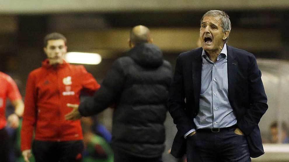 Paco Herrera no podrá cumplir su sueño de subir al  Sporting a...
