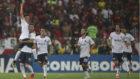 Los jugadores de Independiente celebran el tanto de Ezequiel Barco.