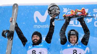 Regino Hernández y Lucas Eguibar celebran su medalla en el Mundial de...
