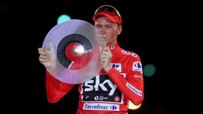 Froome en el podio tras su triunfo en la Vuelta a España.
