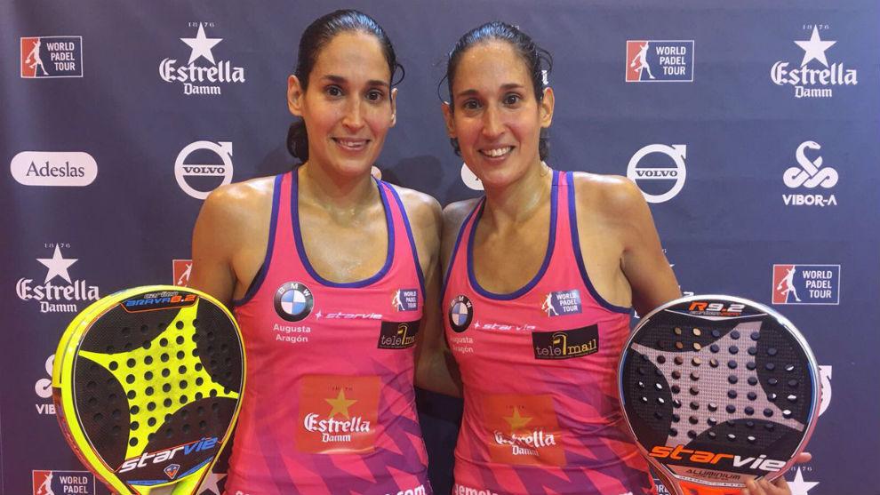 Mapi y Majo Sánchez Alayeto posan tras ganar su primer partido en...