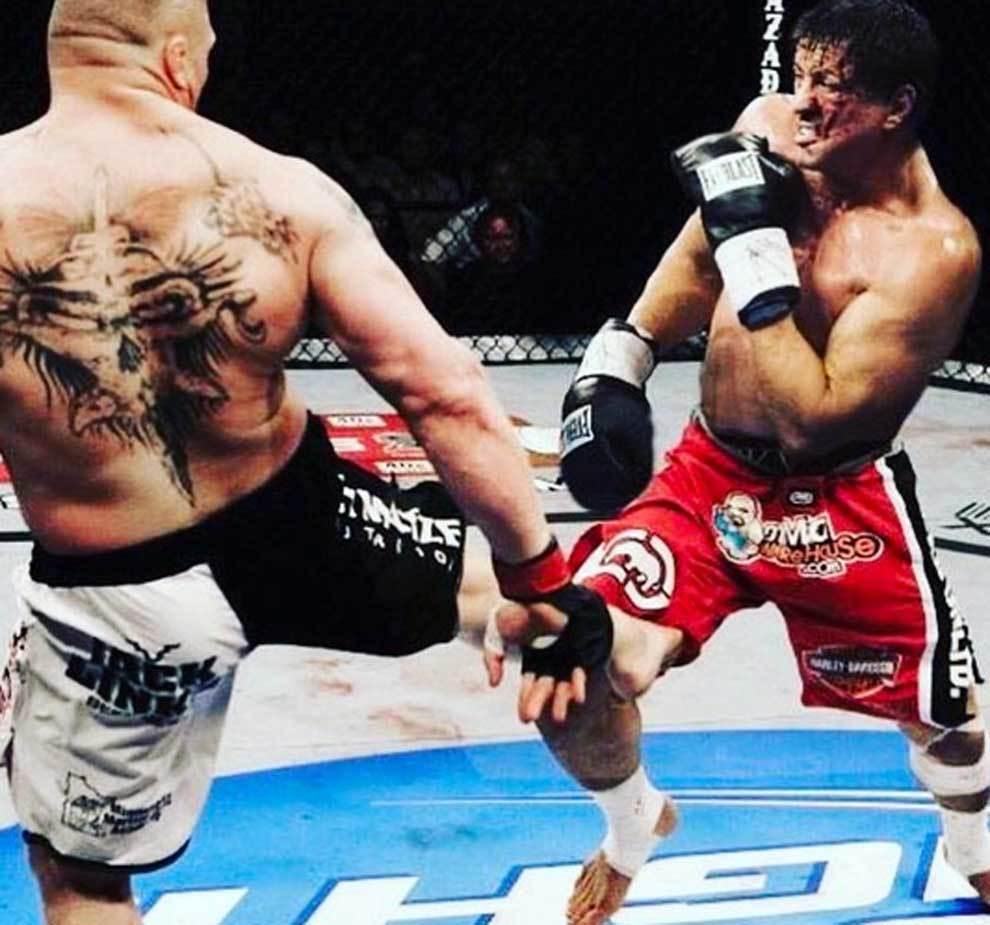 Rocky Balboa (Sylvester Stallone) luchando en el octógono contra el...