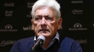 Alberto de la Torre durante una conferencia de prensa.