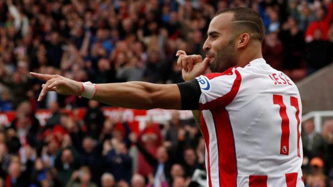 Jesé celebra un gol con el Stoke.
