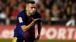 Jordi Alba celebra su gol en Mestalla.