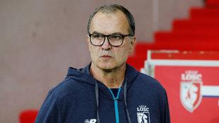 Marcelo Bielsa, destituido como técnico del Lille.