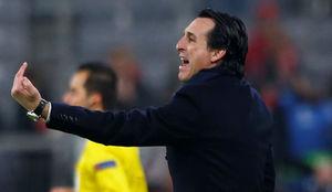 Emery dando instrucciones en el partido ante el Bayern.