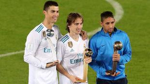 Cristiano, Modric y Urretaviscaya, los mejores jugadores del...