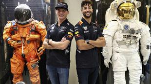 Ricciardo y Verstappen, en la visita a la NASA en Houston