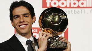 Kaká con el Balón de Oro