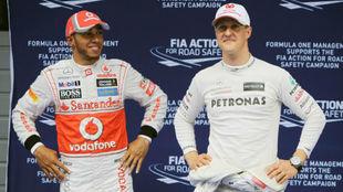 Hamilton y Schumacher, en el GP de China de 2012