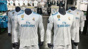 Las camisetas del Real Madrid con el nuevo escudo de campeón del...