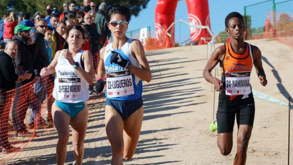 Nuria Lugeros se impone en la meta de Yecla.