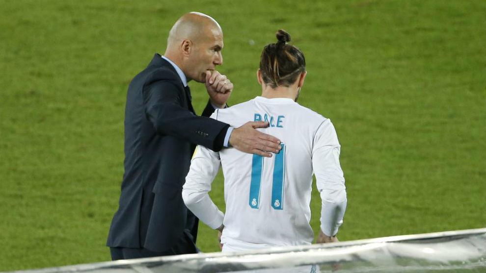 Zidane habla con Bale en la final del Mundial antes de que el galés...