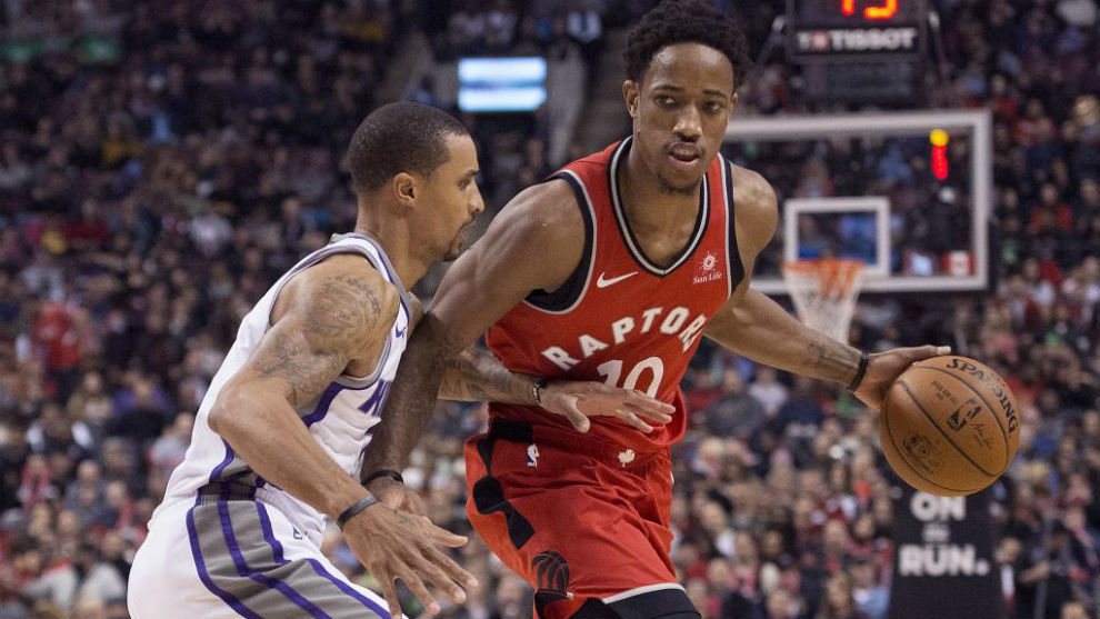 DeMar DeRozan defendido por George Hill