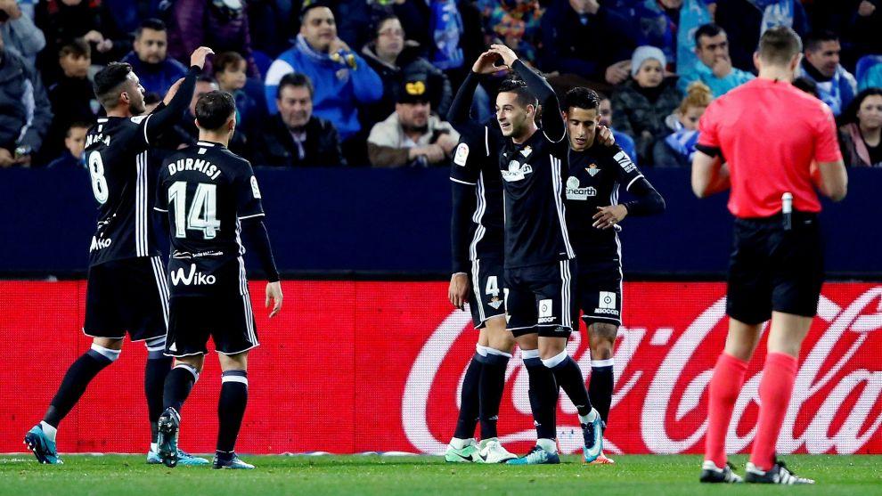 Sergio León, celebrando su gol