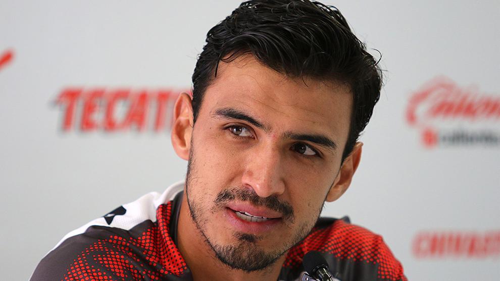 Oswaldo Alanís durante una conferencia de prensa.