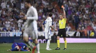 Sergio Ramos es expulsado en el último Clásico liguero