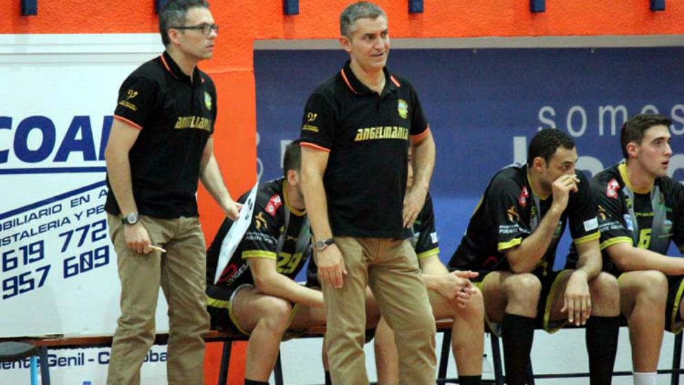 Fernando Barbeito y su ayudante Manolo Ortega, en su etapa en el...