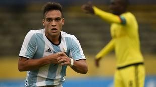 Lautaro celebrando un gol con Argentina