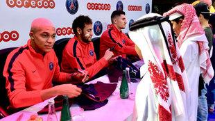 Neymar, con Mbappé y Meunier en un acto en Doha