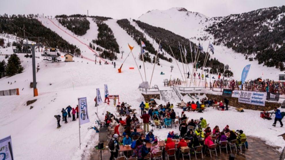 La estación del grupo FGC esperan un grueso importante de esquiadores