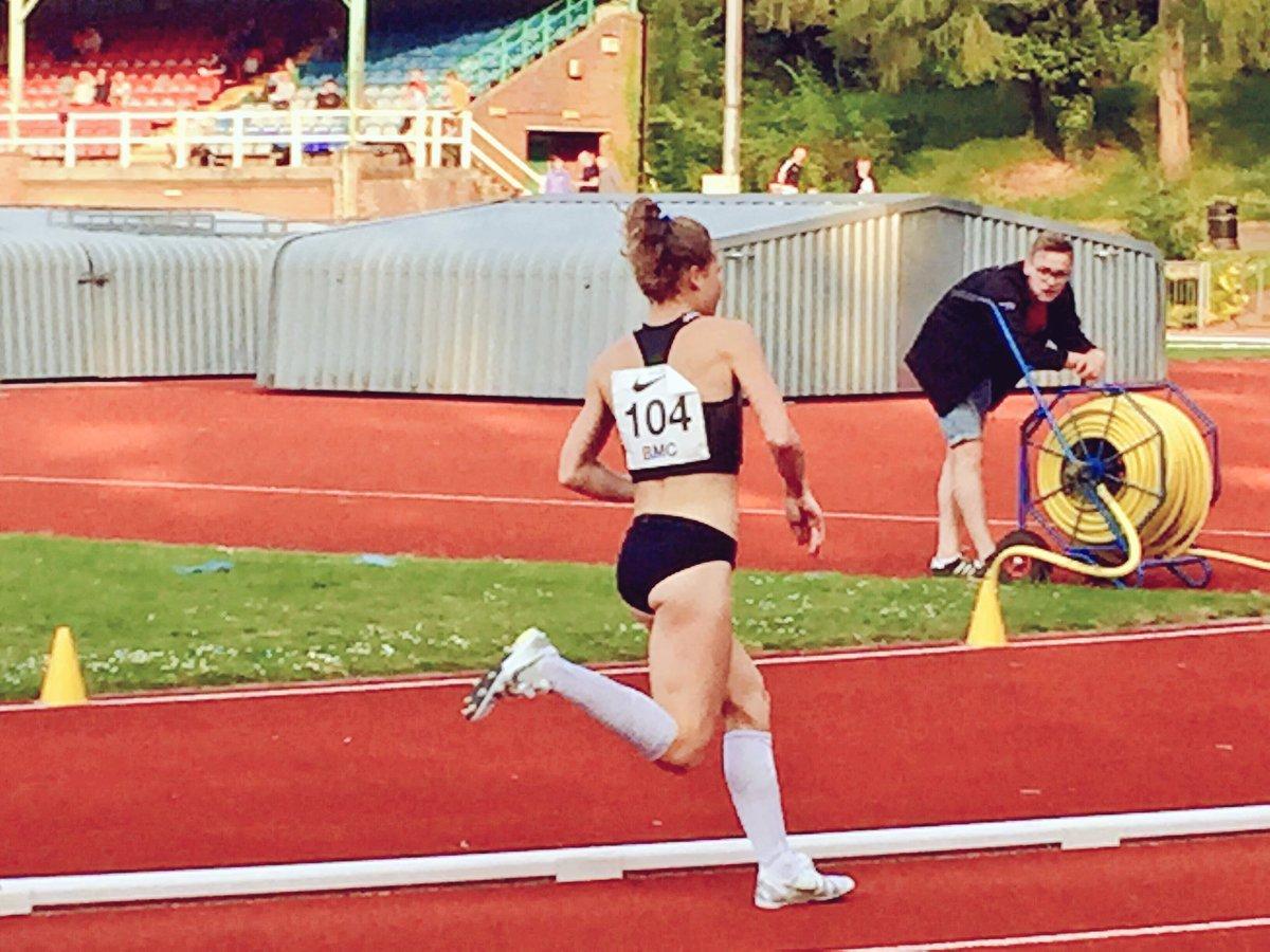 Bobby también compite en pista: 800, 1.500 y 3.000 metros...