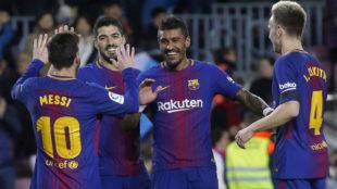 Paulinho, con Messi, Suárez y Rakitic