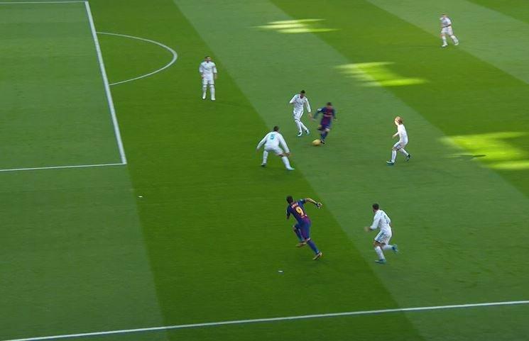 Real madrid vs barcelona todas las jugadas pol micas del for Cuando es fuera de lugar en un partido de futbol