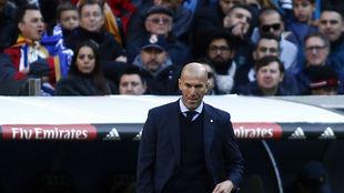 Zidane, durante el partido ante el Barcelona.