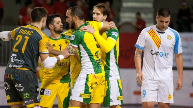 Los jugadores del Jaén Paraíso Interior celebran un gol.