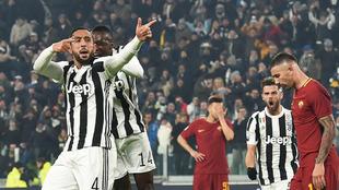 Benatia celebra el gol del triunfo