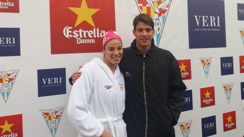 Judith Navarro y Guillem Pujol posan en el podio.