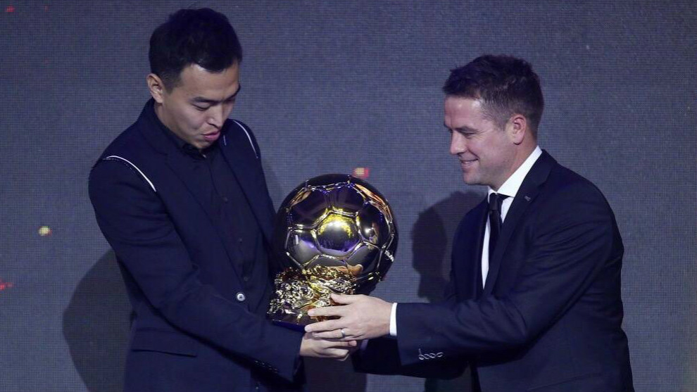 Liga China Feng Xiaoting Se Hace Con El Primer Balon De Oro Chino