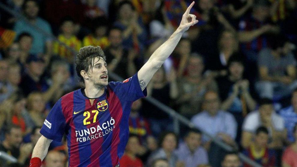 Viran Morros, durante un partido con el Barcelona