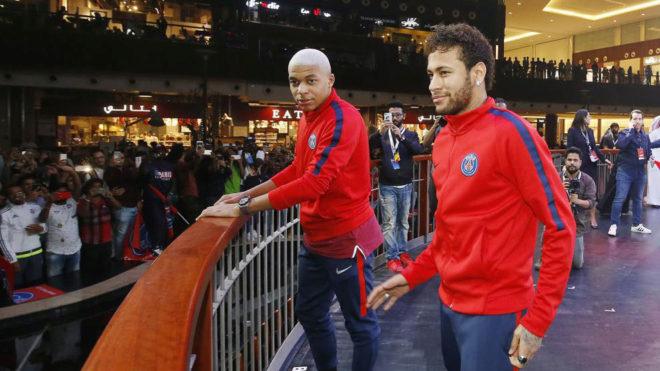 Neymar y Mbappé, juntos en un acto en Doha.