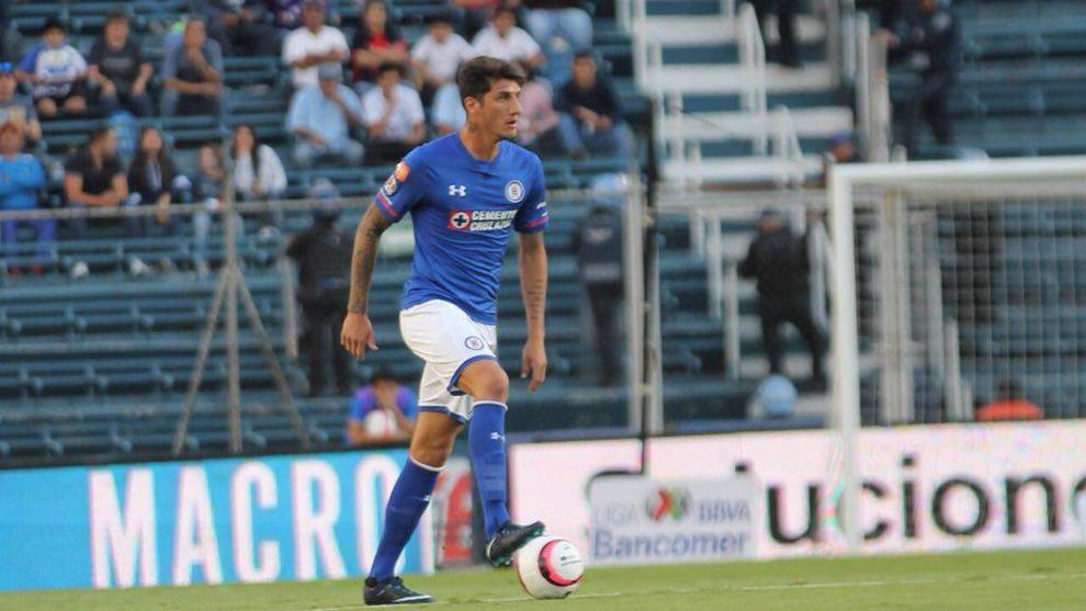 Gabriel Peñalba, en un partido con el Cruz Azul