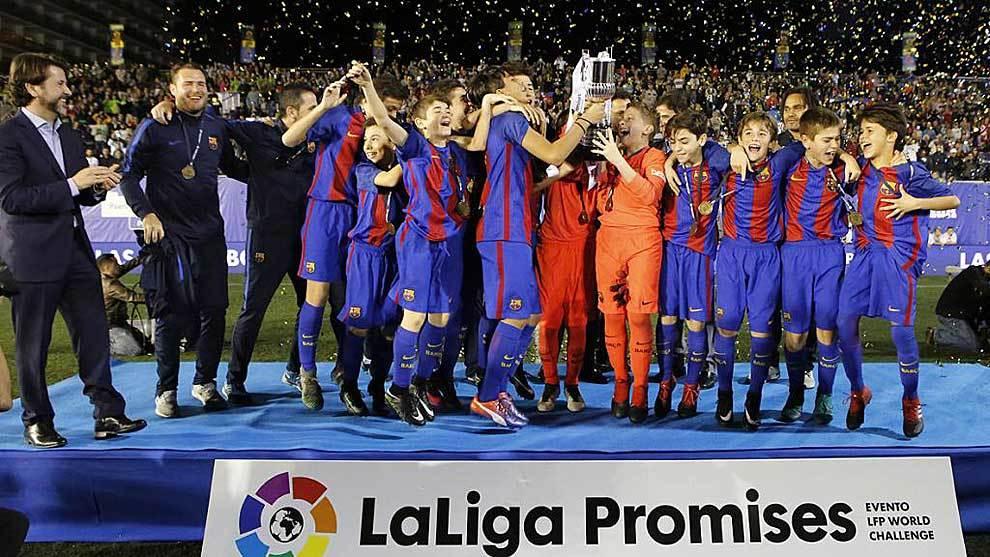 El Barça levanta el título de LaLiga Promises 2016 disputada en el...