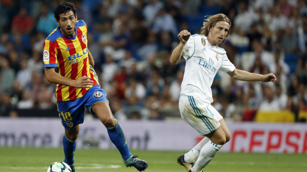 Parejo y Modric, en el Real Madrid-Valencia de agosto.